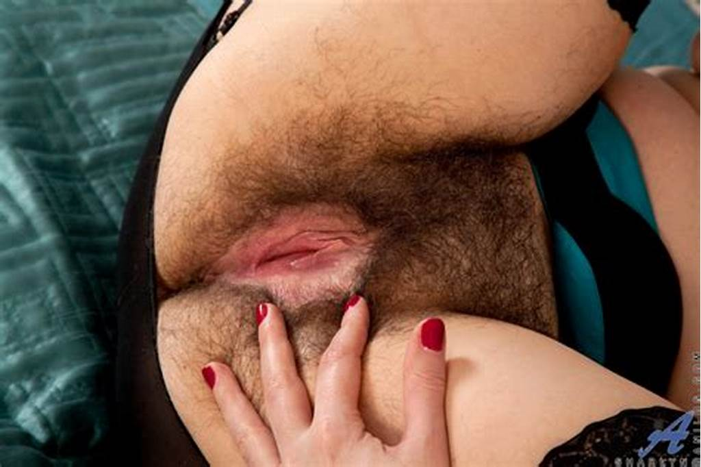 #Real #Mature #Lady #Spreads #Open #Her #Sweet #Hairy #Pussy