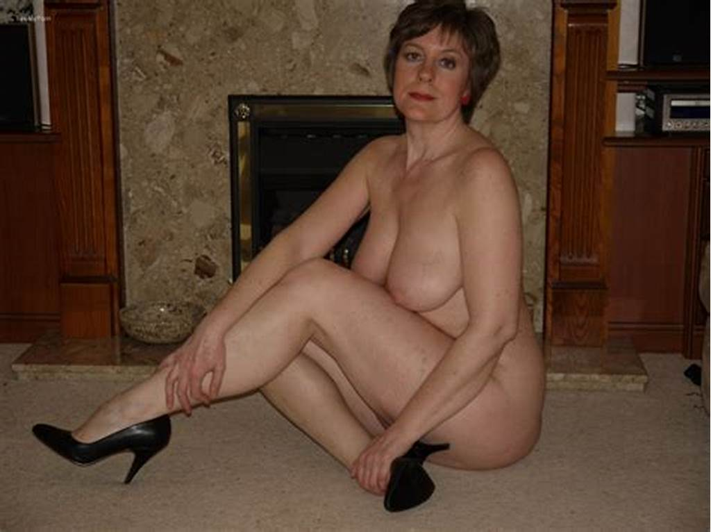 #Mature #Housewife #Posing #For #Pics #Nude #And #In #Lingerie..