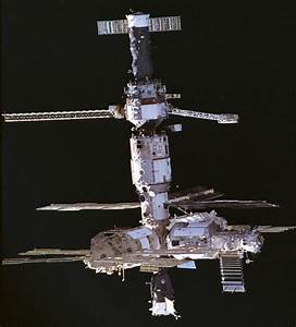 1000  Images About Spacecraft  Mir On Pinterest
