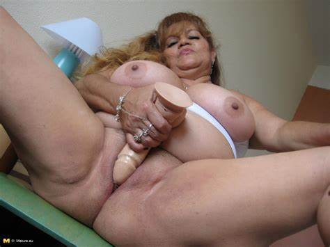 Tity Mature Showing Her Breasty