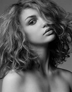 Coupe De Cheveux Bouclés Femme : cool coupe cheveux femme court aux paules boucl 2017 ~ Nature-et-papiers.com Idées de Décoration