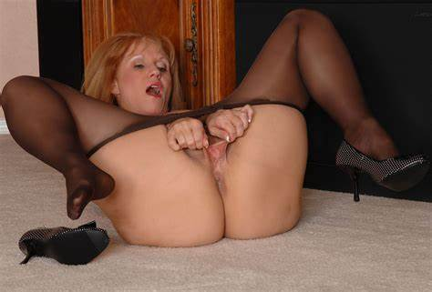Nunky Milf In Black Stockings And