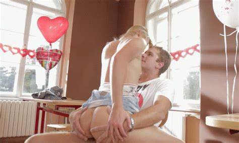 Actress Bisexual Stepmother And Her Younger eagerteens photos
