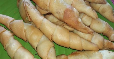 Kalau saya sih biasanya sekali makan gak cukup satu haha. 2.323 resep bolen pisang praktis enak dan sederhana - Cookpad
