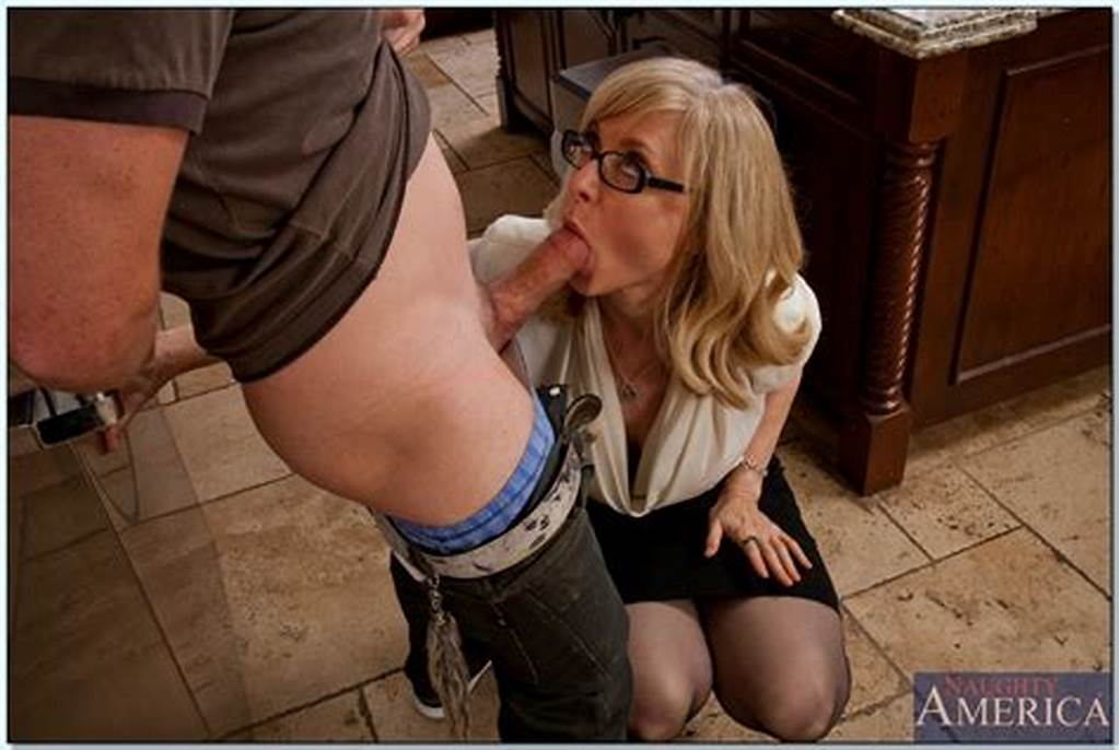 #Gorgeous #Mom #Nina #Hartley #Shows #Her #Tits #After #A #Blowjob
