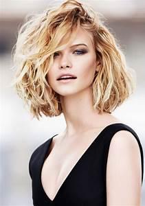Coupe De Cheveux Bouclés Femme : coupe de cheveux femme mi long d grad boucl ~ Nature-et-papiers.com Idées de Décoration