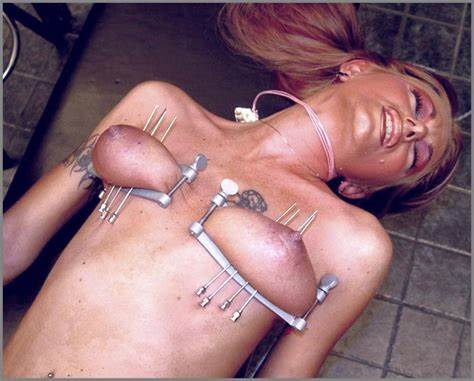 Meat Penetration Her Deep Pierced Pussy 4 torture galaxy