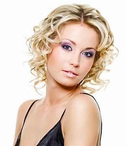 Coupe De Cheveux Bouclés Femme : qu 39 est ce que signifie la coupe de cheveux boucl s ~ Nature-et-papiers.com Idées de Décoration