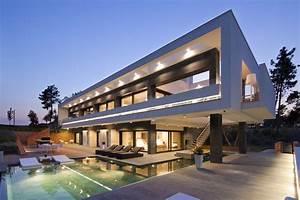 Luxury House HD Wallpaper