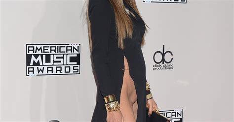 femme de chambre sans culotte chrissy teigen sans culotte sur le tapis des ama