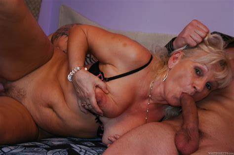 Hdthreesome Having With Sultry Grandm