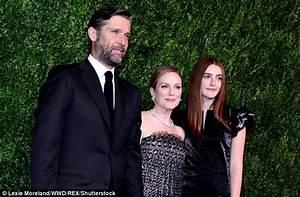 Julianne Moore honored by Museum Of Modern Art in NYC ...