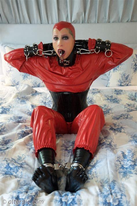 Alterpic - Slavegirl and Fetish Model Anna Rose! Check it ...