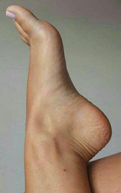 Soñar con pies significado e interpretación: Pin de Esteban Mayor Gómez en Photography | Dedos de los pies, Pies femeninos, Pies hermosos