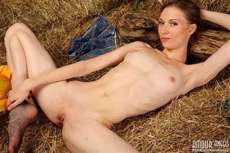 Barns Nude Teen
