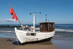 Bilder Am Strand : fischkutter am strand von koserow insel usedom foto bild schiffe und seewege motorschiffe ~ Watch28wear.com Haus und Dekorationen