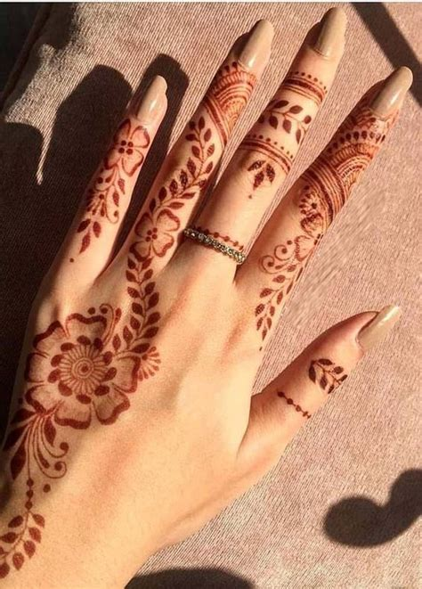 We would like to show you a description here but the site won't allow us. Download Gambar Henna Telapak Tangan Simple