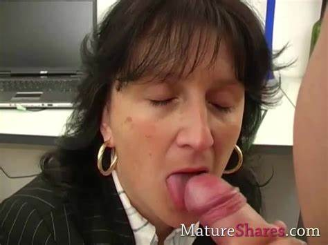 Spunky Handjob With Facialed Swallowing By Tiny Mature