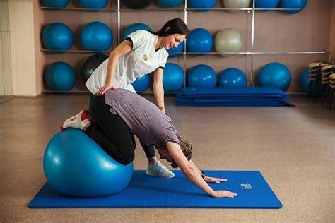 6 vienkārši vingrinājumi, kas uzlabos muguras veselību ...