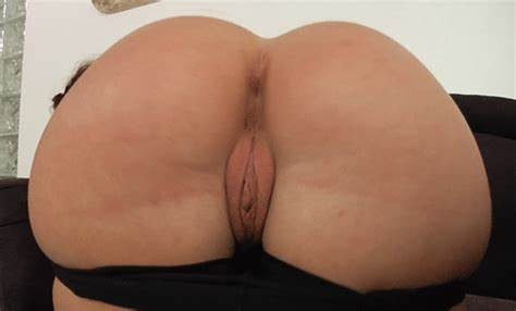 Thong Sliding Down The Large Assfuck Crack Of A Milf