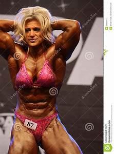 Bodybuilder F U00e9minin Photographie  U00e9ditorial