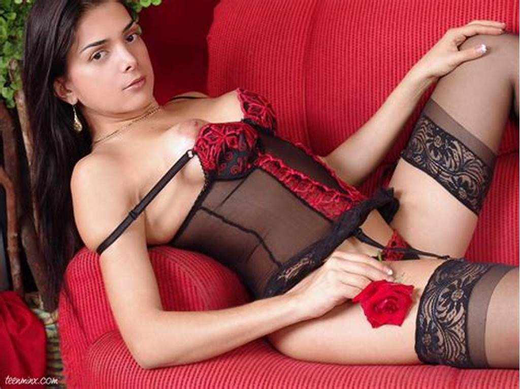#Dreamy #Shemale #In #Beautiful #Lingerie