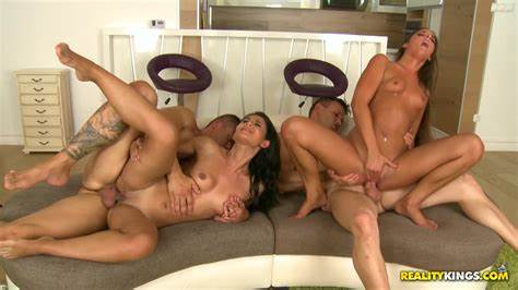 Elder Housewife Have Swinger With Couple  Haired Guys