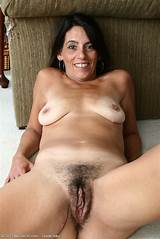 Over 40 hairy pussy sex
