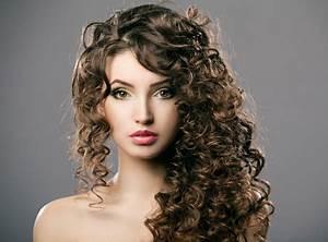 Coupe De Cheveux Bouclés Femme : coupe de cheveux femme long boucl ~ Nature-et-papiers.com Idées de Décoration