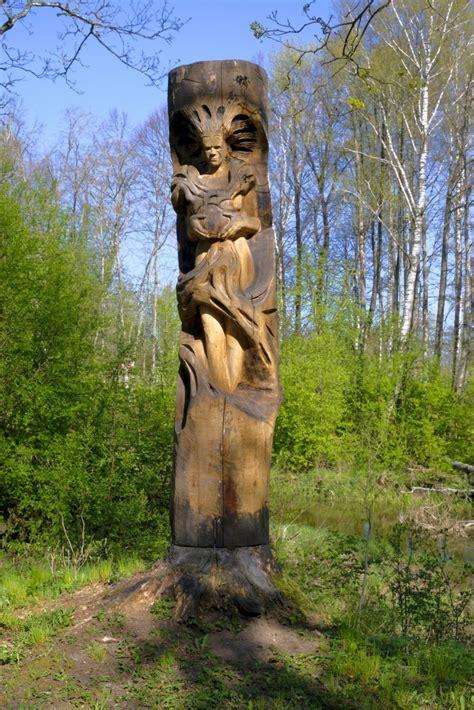 Koka skulptūra Cīravas mežaparkā - Cīravas mežaparks ...
