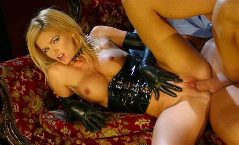 Breasty Milf In Latex