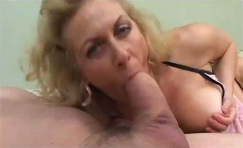 Small Titted Grey Haired Girlfriend Handjob Her Cunts
