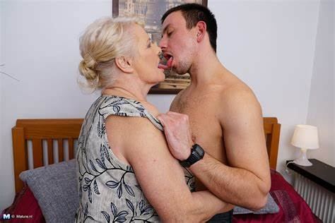 Xhamster Old Boy Mommy Holes Cous Skinny Fisting With Her Dildo Stepdad