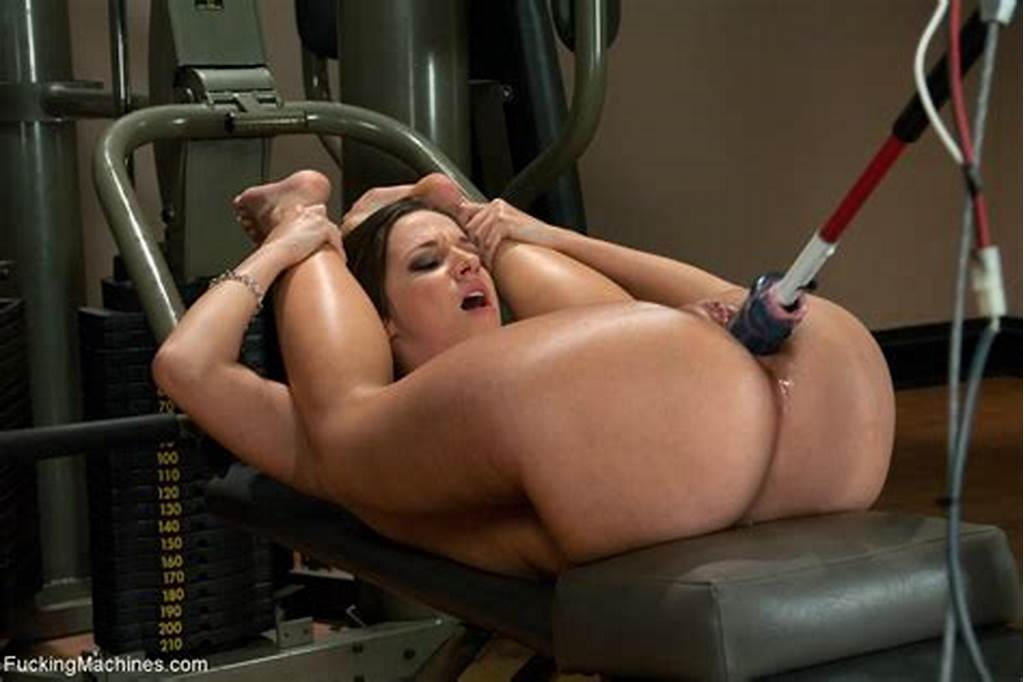 #Very #Sexy #Babe #Gets #Fucked #By #Dildo #Machine