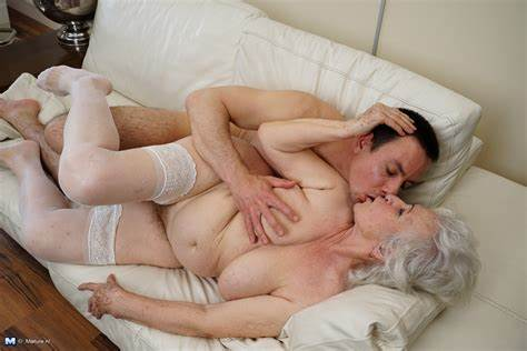 Pink Milfs Toying Her Hairy Vagina Married Granny Tries Her Toys Husband