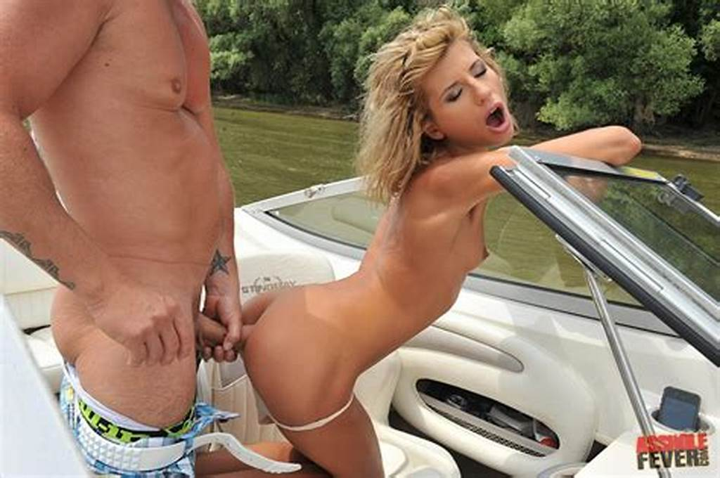 #Beautiful #Girl #Victoria #Tiffani #Enjoys #Anal #Sex #On #Boat