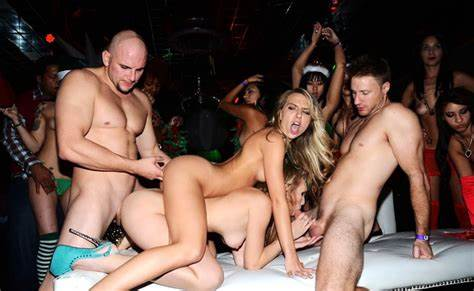 Holiday Blowbang At Orgies Club