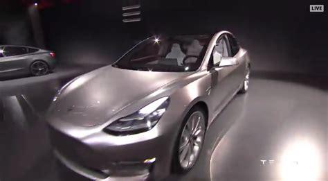 14+ How Many Reserve Tesla 3 Gif