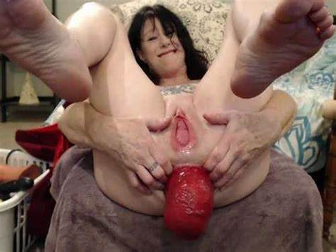 Glamour With Dildo In Her Opened Anus