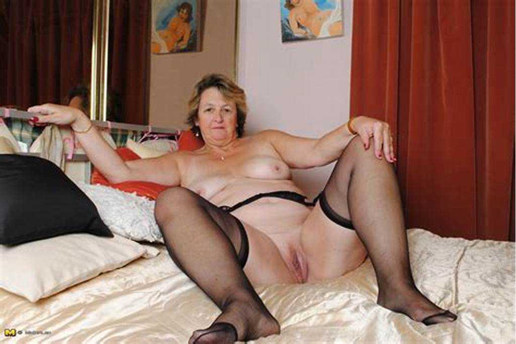 #Big #Mama #Playing #With #Her #Wet #Pussy
