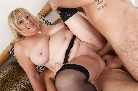 Gorgeous Mature Like Double Penetration Lessons