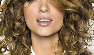 Coupe De Cheveux Bouclés Femme : coiffure femme cheveux boucl s nos conseils ~ Nature-et-papiers.com Idées de Décoration