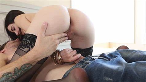 Couples Gash Masturbation With Play chloe vevrier la woman