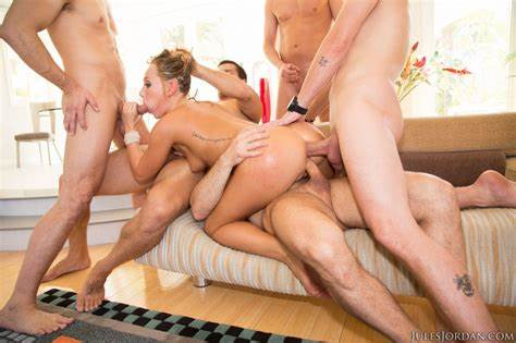 Cam Gangbang Sharing Model And Stuffed