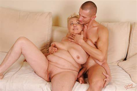Granny With Shaved Assfuck And