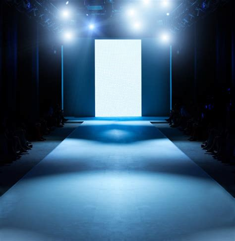 How to Design the Best-Ever Fashion Show Stage Like a Pro ...
