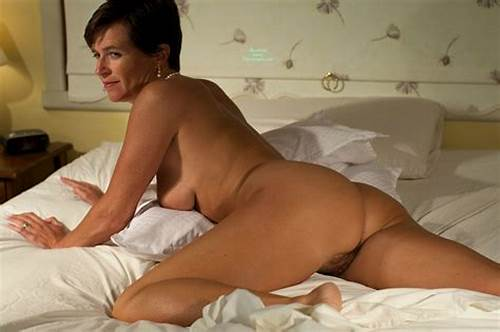 Spunky Mom In Short Hair Nude And High Heels