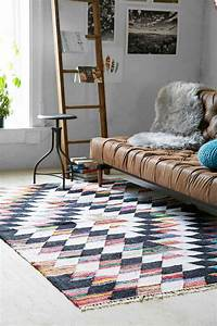 le tapis scandinave sinvite dans linterieur 26 idees With tapis berbere avec canapé made in design