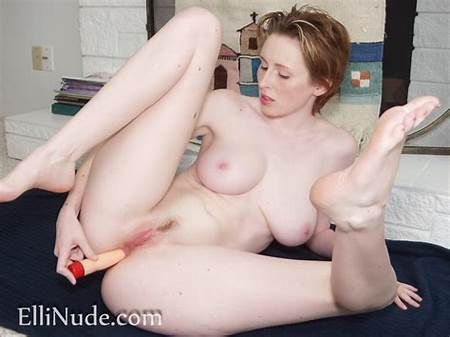 Nude Teen Model Elli