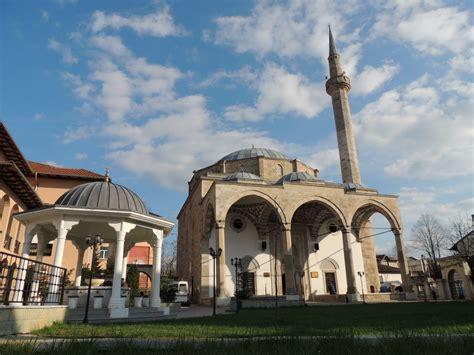 Bashkësia Islame: Në xhamia do të falet vetëm namazi i ...